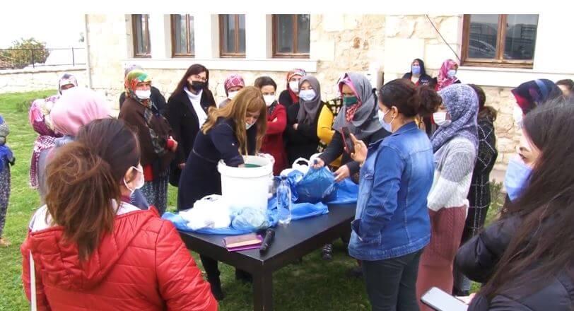 Mersin Büyükşehir, Silifke'de Gazi Çiftliği'nde Kadınlara Eğitim Verdi