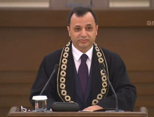 AYM Başkanı Arslan'dan Dikkat Çeken Anayasa Uyarısı!