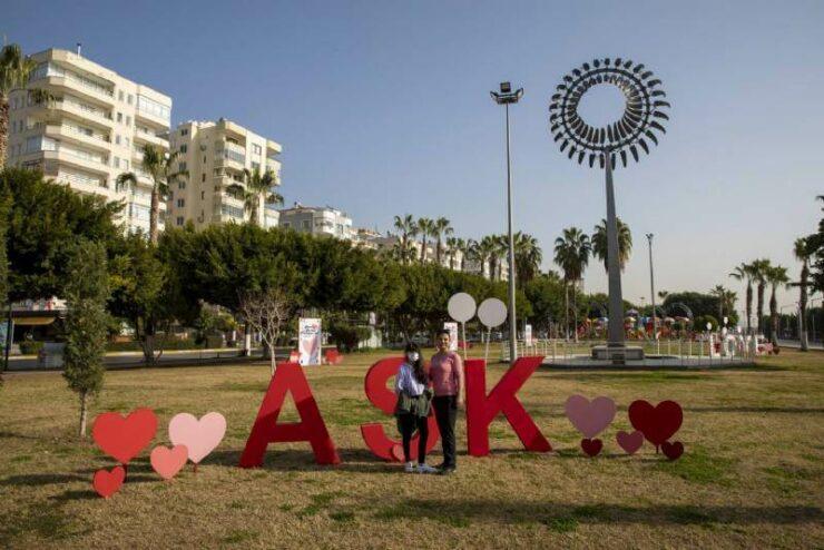 Mersin'de 14 Şubat Sevgililer Günü Hazırlıkları 3 - mersinde 14 subat sevgililer gunu hazirliklari 2