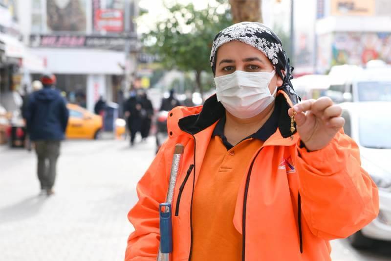 Mersin'de Belediye Temizlik İşçisinden Örnek Davranış 2 - mersinde belediye temizlik iscisinden ornek davranis 2