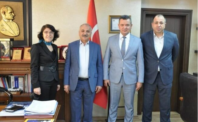 Mersin'de Tabela Kirliliği Ve Kaldırım İşgaline İzin Verilmeyecek