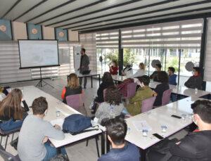 Tarsus Belediyesi Kadınlara ve Gençlere Verdiği Kurslara Yeniden Başladı