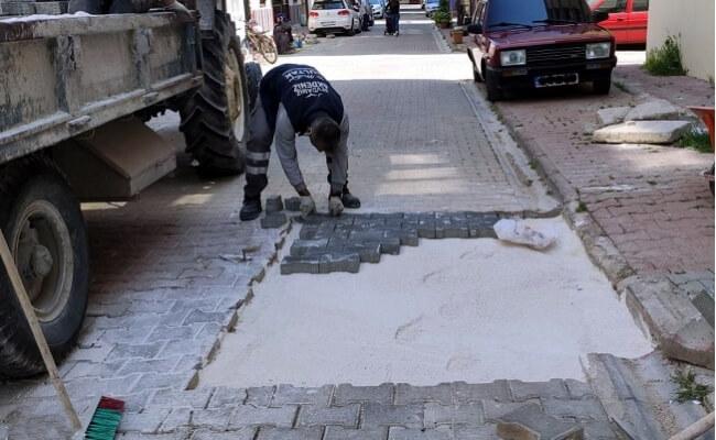 Akdeniz Belediyesinden Kaldırım Taşı Yenileme Çalışmaları