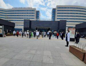 Koronavirüsten Hayatını Kaybeden Sağlık Çalışanları Mersin'de Anıldı