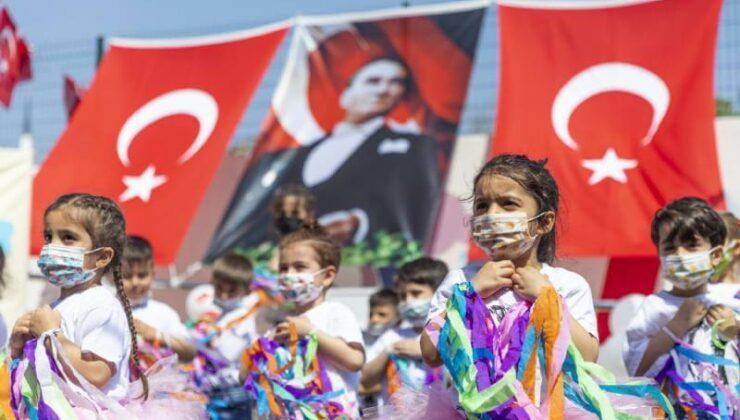 Mersin Büyükşehir'in Kreşlerindeki 23 Nisan Coşkusu