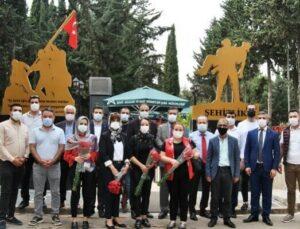 Mersin DEVA Partisi'nden Mersin Şehitliğine Ziyaret