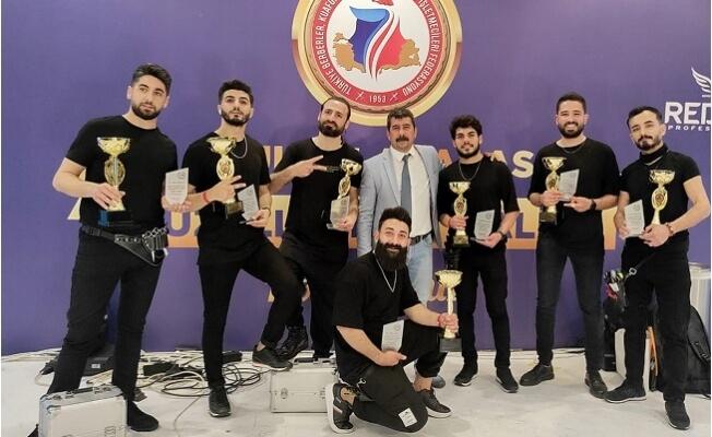 Tarsus Show Time Ekibi Antalya'da Çukurova Bölge Birincisi Oldu