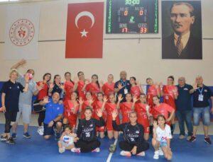 Mersin Büyükşehir GSK Kadın Hentbol Takımı 1.Lig'e Yükseldi