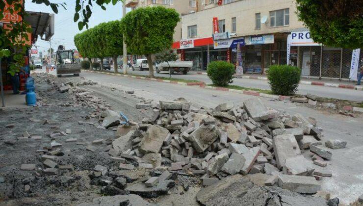 Mersin Büyükşehir, Tarsus'ta Yenice Atatürk Bulvarını Yeniliyor