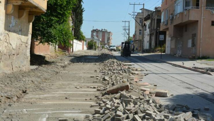 Mersin Büyükşehir, Tarsus'taki İstiklal Caddesi'ni Yeniliyor