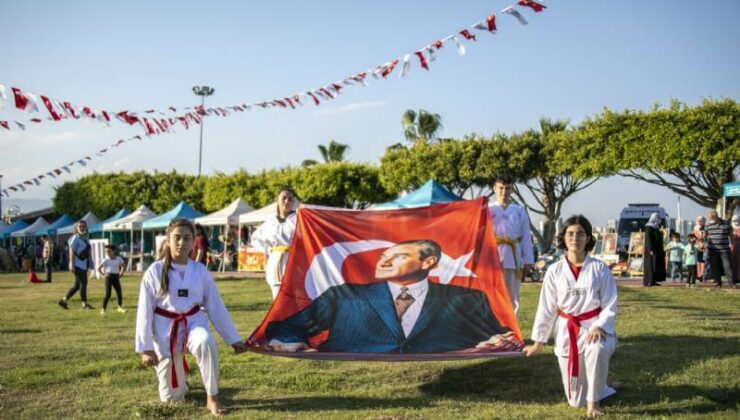 Mersin Büyükşehir'den 19 Mayıs'a Yakışır Kutlama
