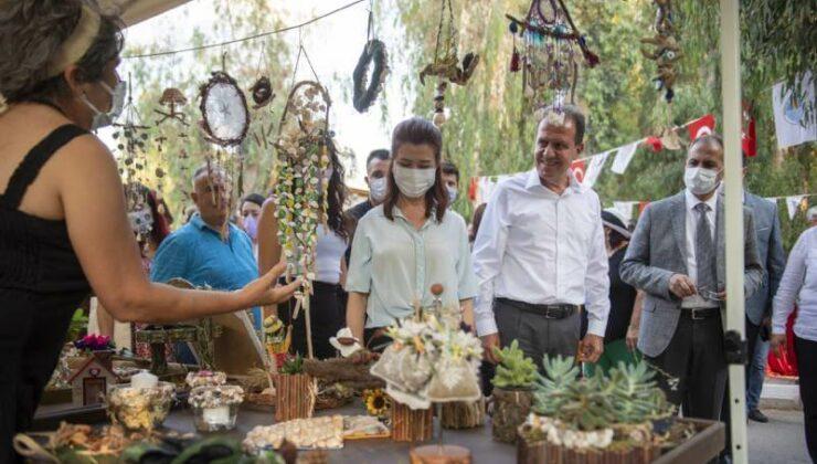 Başkan Vahap Seçer, Tarsus'da Geri Dönüşüm Ürünlerinin Sergisine Katıldı