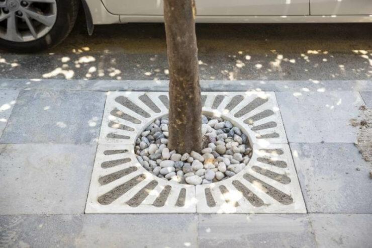 Mersin Büyükşehir Kaldırımları Yenileniyor, Ağaç Diplerine Kompozit Izgaralar Yerleştiriliyor 2 - mersin buyuksehir kaldirimlari yenileniyor agac diplerine kompozit izgaralar yerlestiriliyor 2