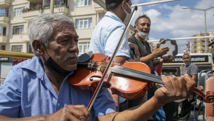 Mersin Büyükşehir'den Silifkeli 75 Roman Müzisyene Destek