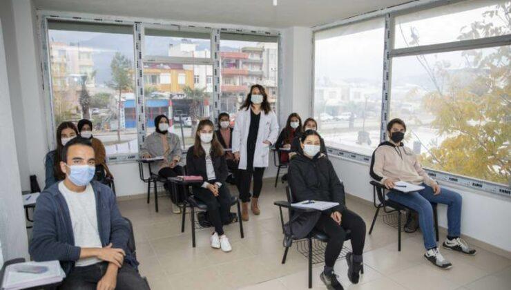 Mersin Büyükşehir'in Üniversite Hazırlık Kurslarına Ön Başvurular Başladı