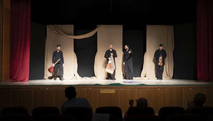 """Mersin Şehir Tiyatrosu İlçelerde """"Perde"""" Dedi"""
